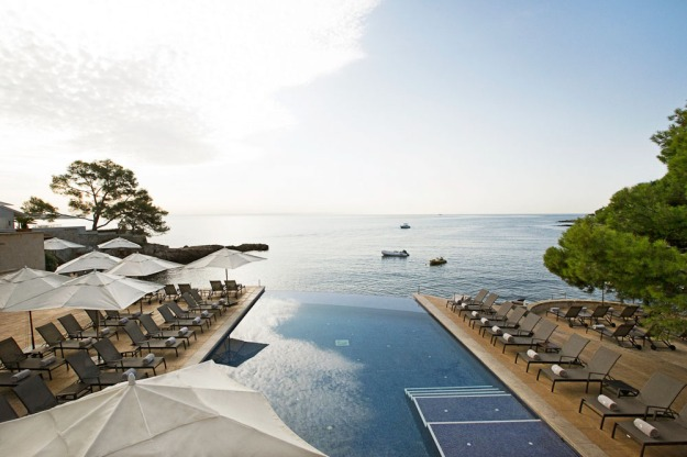 Hospes Maricel's pool falls into the Med